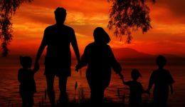 family-1466261_1280