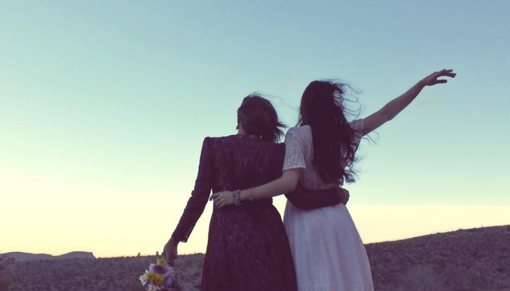 girlfriends-338449_960_720